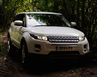 4x4 news press releases offroad land rover jeep suzuki the new range rover evoque has been named stuff magazines 2011 car of the year in the annual technology award ceremony held at londons globe theatre last freerunsca Image collections